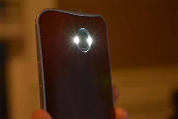 Phát hiện camera ẩn bằng đèn Flash của điện thoại