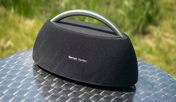Loa Bluetooth Harman Kardon kích thước lớn cho âm thanh tuyệt vời