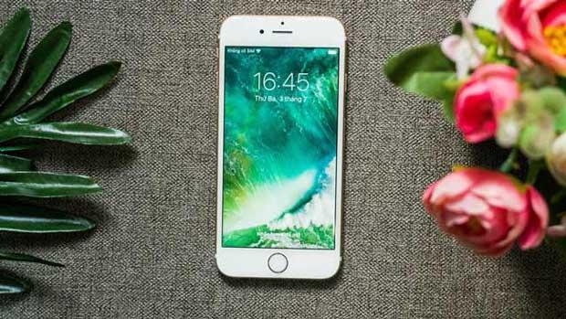 Hàng dựng iPhone là gì