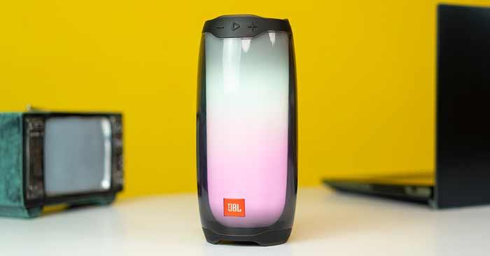Thiết kế toàn thân bằng kính cường lực và đèn LED thông minh