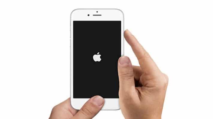 Khởi động lại iPhone