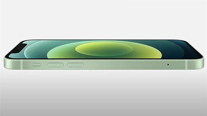 iPhone 12 đã có một sự lột xác toàn nhờ các cạnh phẳng hơn thay vì thiết kế bo tròn như của iPhone 11