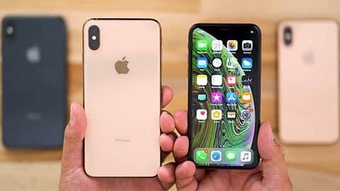Mặt trước và sau của iPhone XS Max