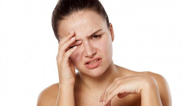 Cách khắc phục tình trạng nháy mắt