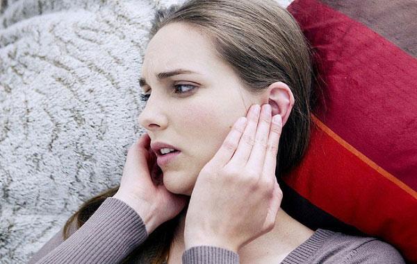 Nguyên nhân gây nên tình trạng ngứa tai phải