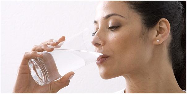 Uống nước hạ hỏa nóng tai trái